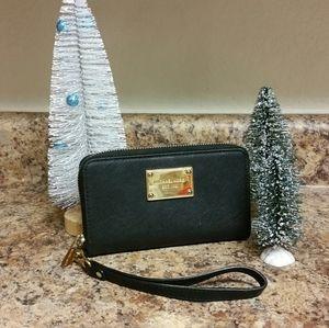 Authentic Michael Kors Black Zipper Wristlet